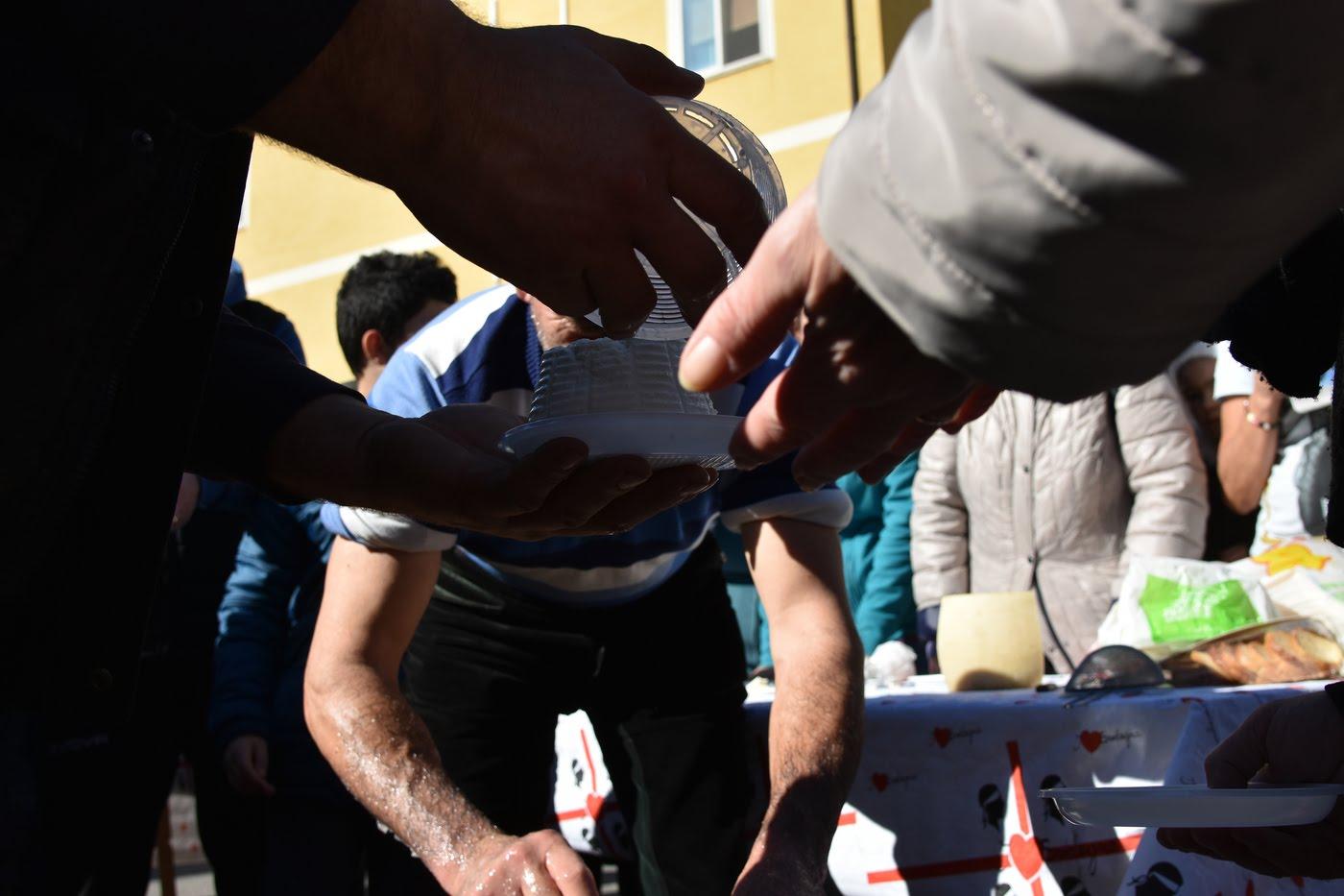 Prezzo del latte: la protesta dei pastori arriva anche in Sicilia
